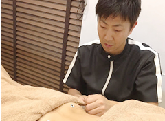 高槻市 月の要鍼灸整骨院の鍼灸施術写真